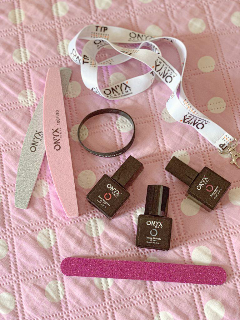 Prodotti Onyx Academy, smalti e lime per unghie